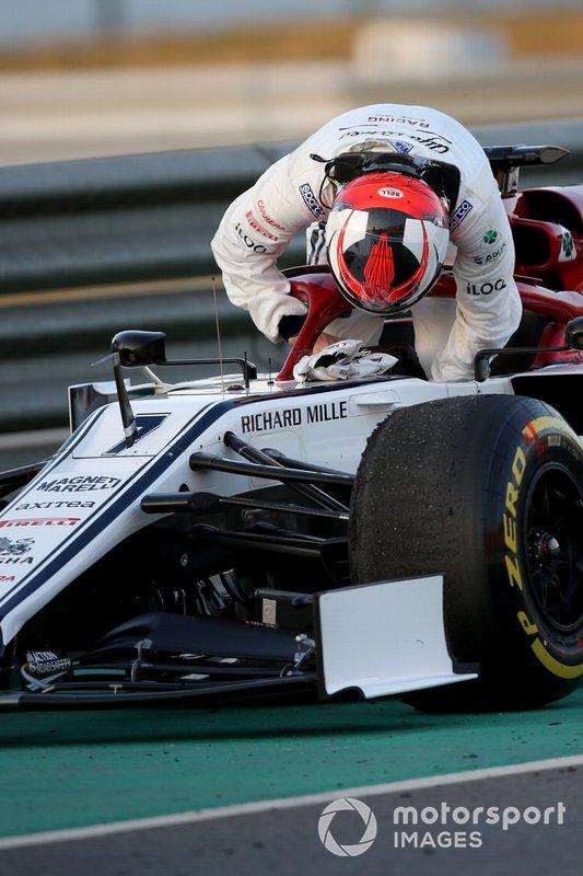 Kimi Raikkonen, Alfa Romeo Racing, si ferma in pista