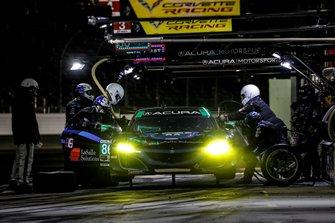 #86 Meyer Shank Racing w/ Curb-Agajanian Acura NSX GT3, GTD: Mario Farnbacher, Trent Hindman, Justin Marks, AJ Allmendinger, pit stop