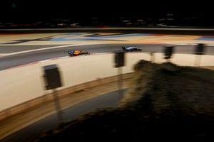 Роберт Кубица, Williams FW42, и Карлос Сайнс, McLaren MCL34