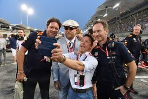 Джеймс Мартин, Гай Ритчи, Фрэнки Деттори и руководитель Red Bull Racing Кристиан Хорнер