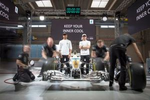 Lewis Hamilton ve Valtteri Bottas, Mercedes-AMG Petronas Motorsport, Petronas Syntium Hybrid Performance Lubricants lansmanında