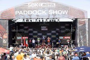Jonathan Rea, Kawasaki Racing Team WorldSBK, Toprak Razgatlioglu, PATA Yamaha WorldSBK Team, Michael Ruben Rinaldi, Aruba.It Racing - Ducati