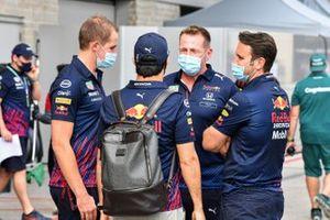 Sergio Perez, Red Bull Racing et des membres de l'équipe de Red Bull