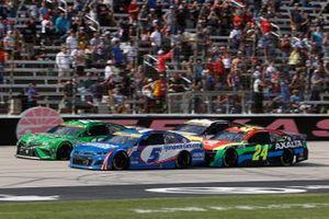 Kyle Busch, Joe Gibbs Racing, Toyota Camry Interstate Batteries, William Byron, Hendrick Motorsports, Chevrolet Camaro Axalta, Kyle Larson, Hendrick Motorsports, Chevrolet Camaro HendrickCars.com