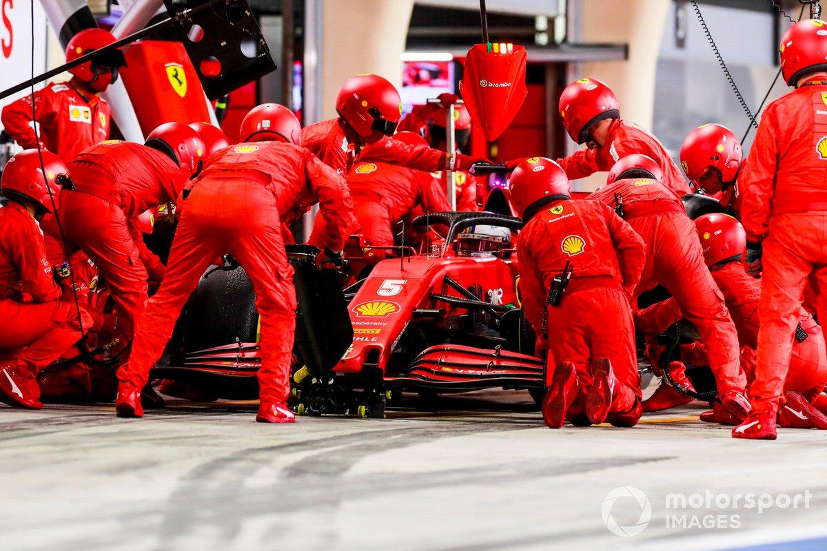 Sebastian Vettel, Ferrari SF1000, pitstop