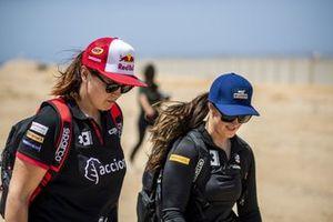 Laia Sanz, Acciona Sainz XE Team, and Sara Price, Segi TV Chip Ganassi Racing