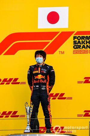 Yuki Tsunoda, Carlin, 1st position, on the podium