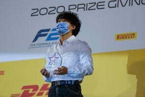 Yuki Tsunoda, Carlin, with his trophy
