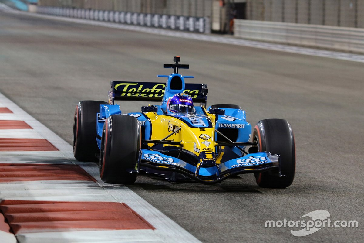 Fernando Alonso, Renault F1 Team with the 2005 Renault R25