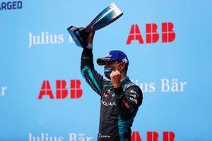Mitch Evans, Jaguar Racing, sur le podium
