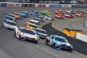 Pace-Laps: Martin Truex Jr., Joe Gibbs Racing, Toyota Camry Auto-Owners Insurance, Denny Hamlin, Joe Gibbs Racing, Toyota Camry FedEx Express