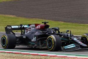 Lewis Hamilton, Mercedes W12, met een kapotte voorvleugel