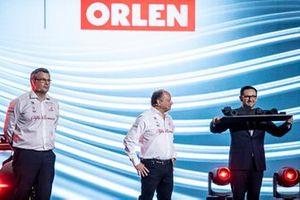 Daniel Obajtek, PKN Orlen/PDG, Frédéric Vasseur, Team Principal Alfa Romeo Racing
