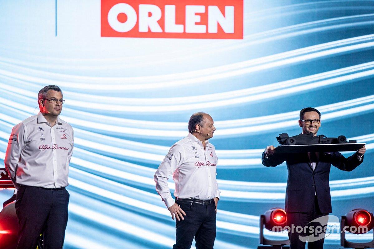 Daniel Obajtek, PKN Orlen/CEO, Frédéric Vasseur, Director Alfa Romeo Racing, Daniel Obajtek, PKN Orlen/CEO