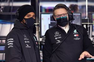 Lewis Hamilton, Mercedes-AMG F1, and Andrew Shovlin, Chief Race Engineer, Mercedes AMG
