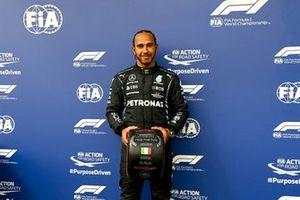 Pole man Lewis Hamilton, Mercedes, with the Pirelli Pole Position award