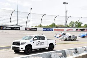 Toyota Tundra TRD Pro Pace Truck, Ben Rhodes, ThorSport Racing, Toyota Tundra Bombardier Learjet 75