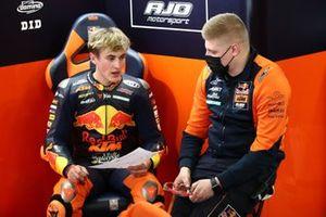 Jaume Masia, Red Bull KTM Ajo, et son chef mécanicien Niklas Ajo