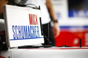 Mick Schumacher, Haas VF-21, name marker in the garage