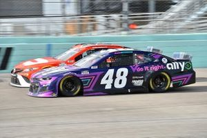 Bubba Wallace, 23XI Racing, Toyota Camry DoorDash, Alex Bowman, Hendrick Motorsports, Chevrolet Camaro Ally