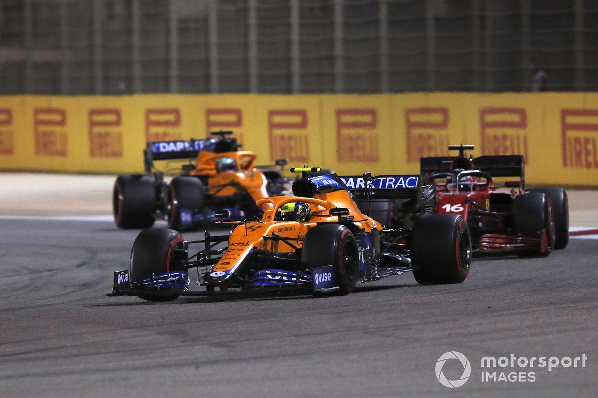 Lando Norris, McLaren MCL35M, Charles Leclerc, Ferrari SF21, Daniel Ricciardo, McLaren MCL35M