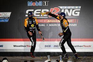 #5: Mustang Sampling / JDC-Miller MotorSports Cadillac DPi, DPi: Sebastien Bourdais, Loic Duval, Tristan Vautier, podium