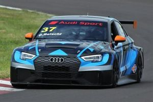 Audi RS3 LMS do piloto Guilherme Reischl