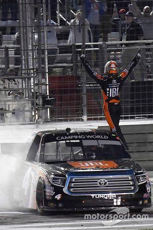 Ganador, Christopher Bell, Kyle Busch Motorsports Toyota celebra