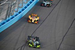 Charlie Kimball, Chip Ganassi Racing, Honda; Ryan Hunter-Reay, Andretti Autosport, Honda