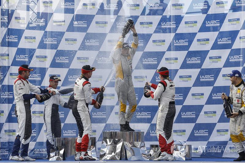 WRC2 Podio: ganadores Teemu Suninen, Mikko Markkula