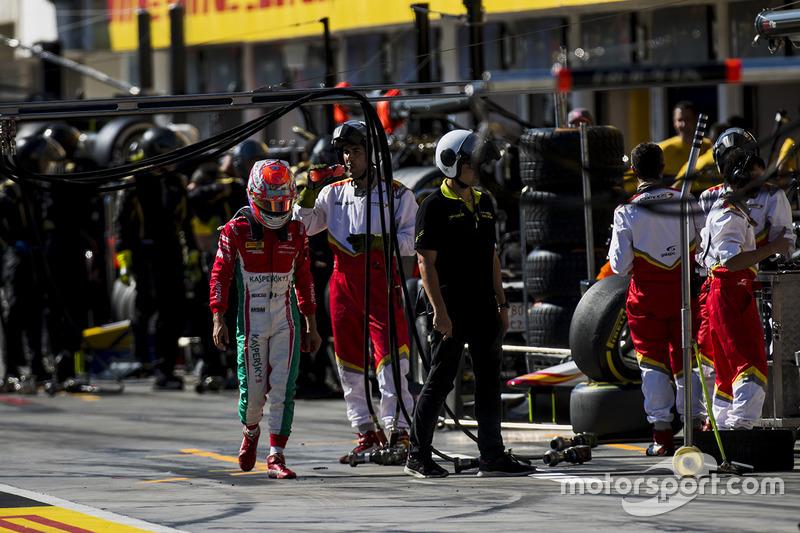 Antonio Fuoco, PREMA Powerteam, se retira de la carrera