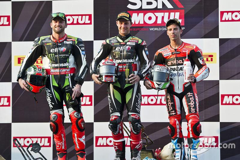 Podium: ganador, Jonathan Rea, Kawasaki Racing, segundo, Tom Sykes, Kawasaki Racing, tercero, Marco Melandri, Ducati Team