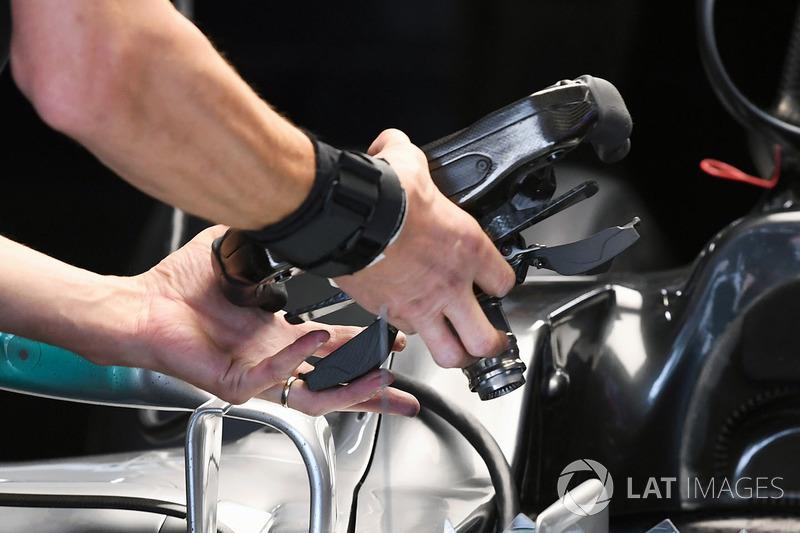 Mercedes-Benz F1 W08 direksiyon detay