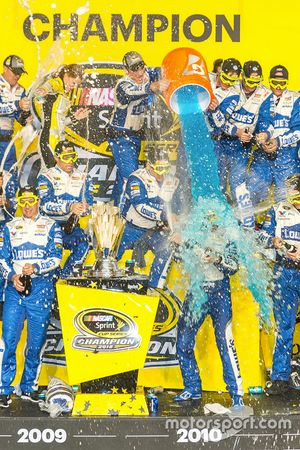 2016 Champion and race winner Jimmie Johnson, Hendrick Motorsports Chevrolet gets a Gatorade dunk