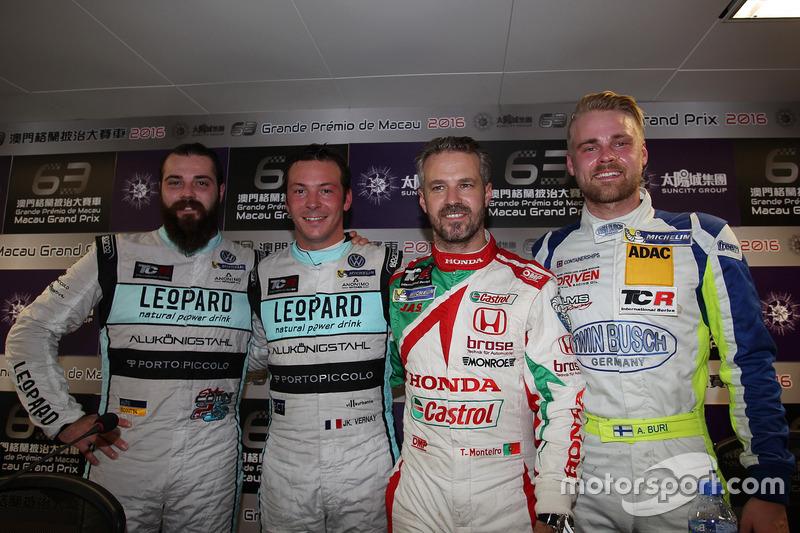 Conferenza stampa: Stefano Comini, Leopard Racing Team Volkswagen Golf GTI; Jean-Karl Vernay, Leopar