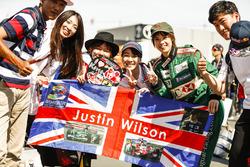 Des fans rendent hommage à Justin Wilson