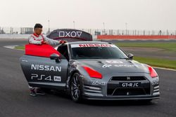 World-first gaming controlled Nissan GT-R with Jann Mardenborough