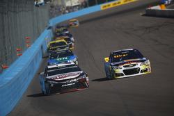 David Ragan, BK Racing Toyota, Chase Elliott, Hendrick Motorsports Chevrolet