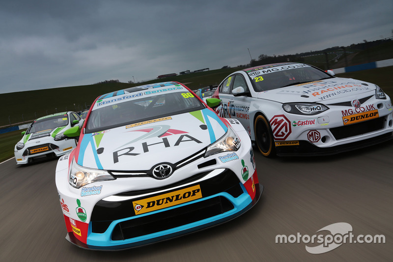Tom Ingram, Speedworks Motorsport Toyota Avensis, Daniel Lloyd, MG Racing RCIB Insurance