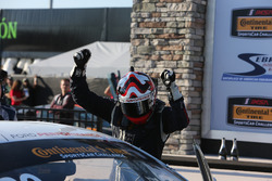 Vincitori della gara #60 KohR Motorsports Ford Mustang: Jade Buford, Scott Maxwell