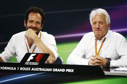 Matteo Bonciani, FIA-Pressesprecher; Charlie Whiting, Formel-1-Rennleiter