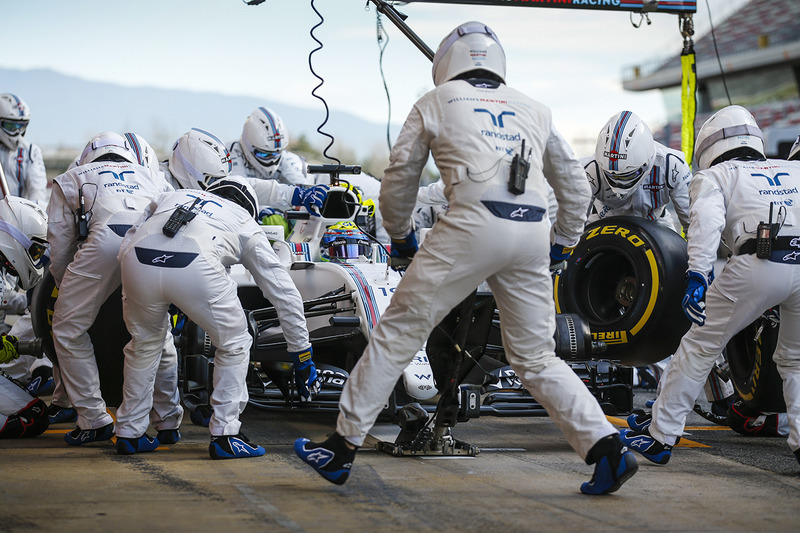 Practice pitstop for Felipe Massa, Williams FW40