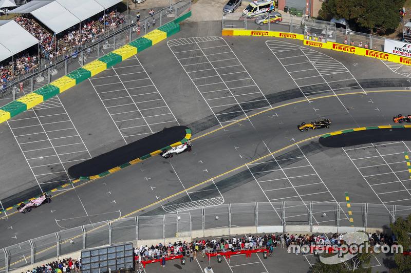 Esteban Ocon, Force India, VJM10; Lance Stroll, Williams, FW40; Jolyon Palmer, Renault Sport F1 Team, RS17