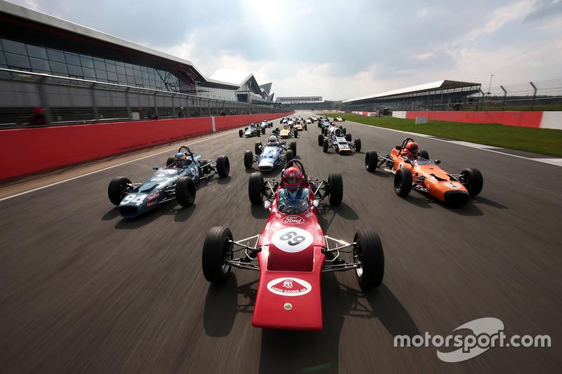 Tiff Needell lídera el Formula Ford