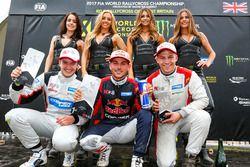 Podio: Ganador de la carrera Cyril Raymond, segundo lugar Dan Rooke, tercer lugar Thomas Holmen