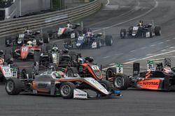 Start, action, Harrison Newey, Van Amersfoort Racing Dallara F317 - Mercedes-Benz