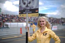 Grid girl, David Beckmann, Motopark, Dallara F317 – Volkswagen,