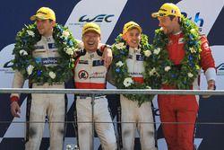 LMP2 podio: tercer lugar David Cheng, Alex Brundle, Tristan Gommendy, DC Racing