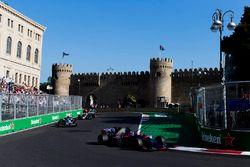 Daniil Kvyat, Scuderia Toro Rosso STR12, Pascal Wehrlein, Sauber C36-Ferrari