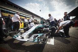 L'écurie Mercedes prépare la voiture de Lewis Hamilton, Mercedes AMG F1 W08